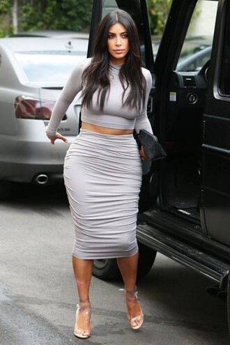 skirt pencil skirt top crop tops kim kardashian clutch sandals bag