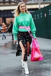 sweater,green sweater,belt,skirt,floral skirt,boots,white boots,bag,shopper bag,knitted sweater,front slit skirt,double slit skirt,slit skirt,transparent  bag