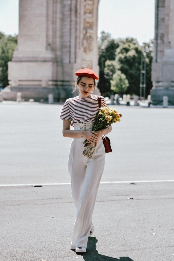 pants tumblr wide-leg pants white pants top t-shirt stripes striped t-shirt beret corset belt flowers french girl style sunglasses hat belt blogger blogger style striped t-shirt high waisted shoulder bag