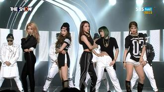 pants 4minute kpop k-pop hyuna sporty streetwear streetstyle crop cropped beanie mesh black and white knee high gold black jersey urban edgy shorts joggers track pants futuristic shirt