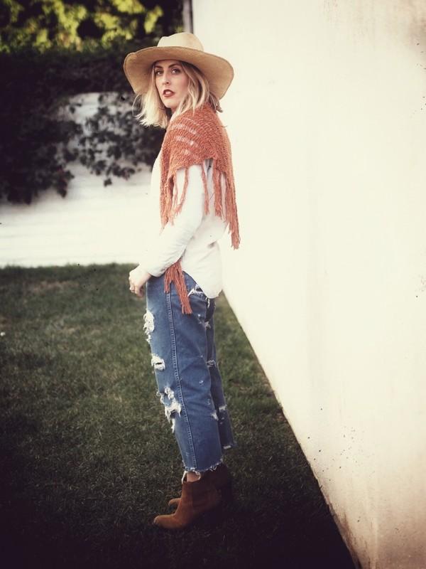 b. jones style hat shirt jeans scarf shoes