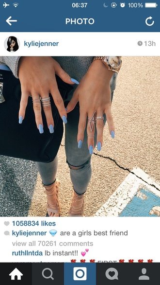 jewels kylie jenner kylie jenner jewelry jewelry ring diamonds diamond ring blouse jeans