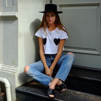 t-shirt clayton heart white black and white cropped plain white tee love revolve clothing revolveme