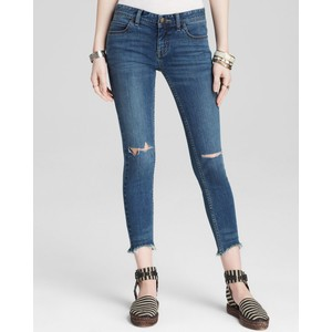 People Jeans - Destroyed Crop Skinny in Tupelo Blue