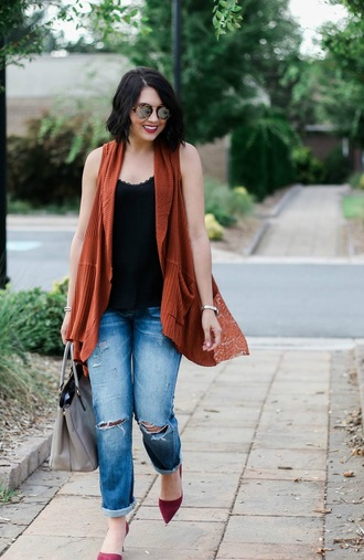 life & messy hair blogger cardigan jeans bag sunglasses shoes jewels sleeveless black top round sunglasses ripped jeans grey bag burgundy red heels