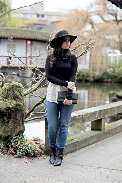 coco and vera blogger sweater blouse jeans shoes bag hat jewels