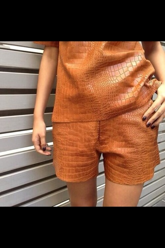 shorts detailed croc skin suit fall outfits