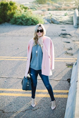 a little dash of darling blogger pink coat grey sweater jeans sweater coat jewels shoes make-up