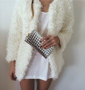 coat,pelage,fur,clutch,classy,fluffy,90s style,white,pretty,jacket,warm jacket,outerwear,silver,sexy,skinny,hipster,winter coat,necklace,ring,sweater,silver ring,bag,jewels,white coat,winter outfits,warm,vintage coat,bond,wite,white jacket,cold,cute,t-shirt dress,white dress,wool,dress,cardigan,fur coat,vintage,chic,edgy,grunge,furry coat,purse,portemonnaie,tumblr,money,white fluffy coat