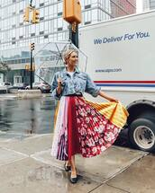 skirt,plaid skirt,midi skirt,multicolor,black shoes,cropped jacket,denim jacket,white t-shirt,umbrella