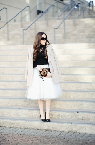 dress corilynn blogger skirt sweater shoes bag sunglasses coat jewels tulle skirt beige coat animal print animal print bag clutch high heel pumps pumps