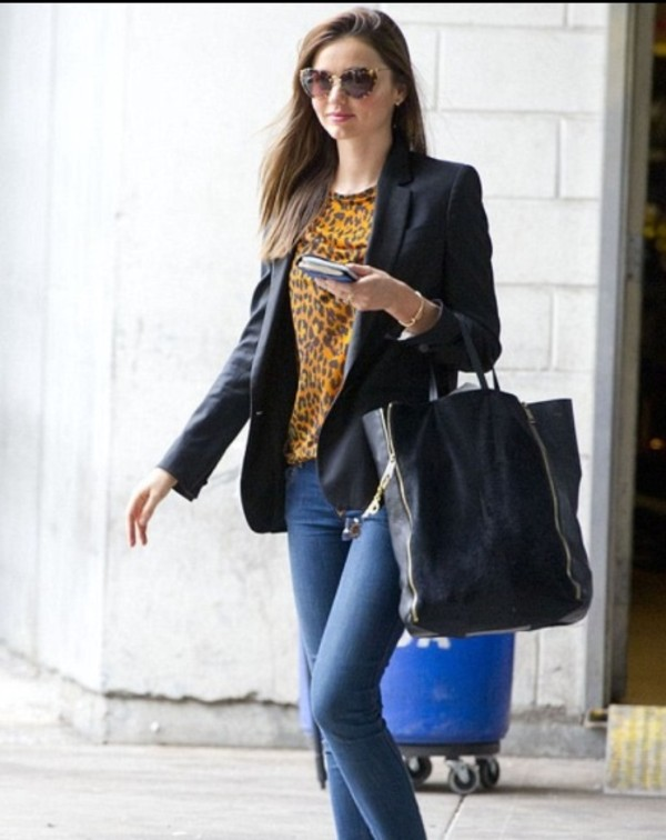 jacket miranda kerr vest veste black noire blouse t-shirt t-shirt leopard print yellow yellow top jeans denim bag sunglasses jewels clothes