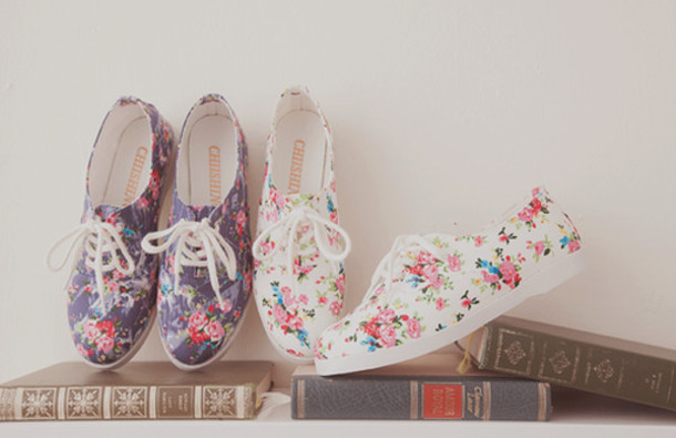 6b737df1508 shoes floral canvas shoes cute vintage flowers girly book summer spring  white laces canvas laces
