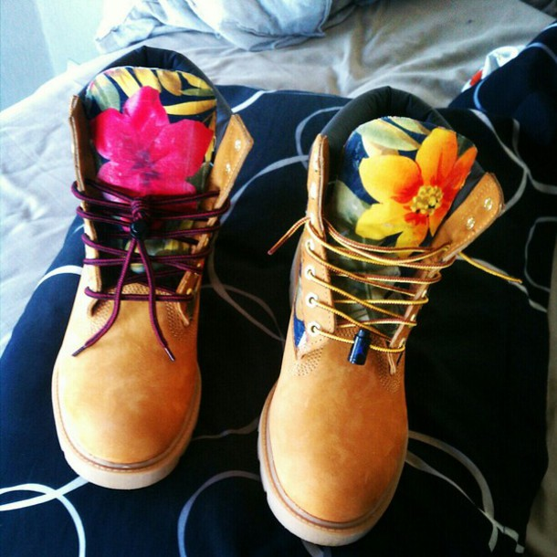 shoes  floral  timbs  sneakers  boots  numbuck  timberlands  timberland boots  flowers  found on