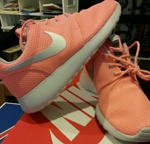 los angeles 83d82 d69d6 Womens Nike Roshe Run Roshe Pink 5 Size 7 7 5 and 9 5  eBay
