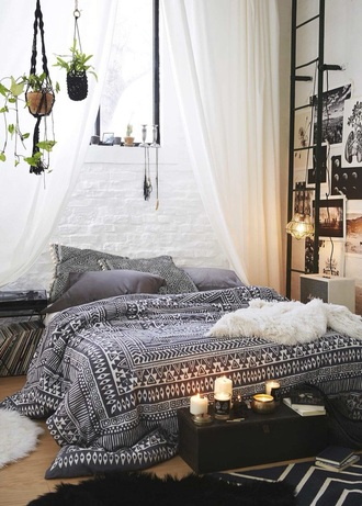 home accessory bedding bedroom drap chambre aztec hippie cute beach house bedsheet boho indie duvet black white home decor fabric material pattern tribal pattern cool accessorie tumblr bedroom tumblr style pinterest comfy urban outfitters print pillow blanket bedding comforter sheepskin throw plants holder plants boho room black and white