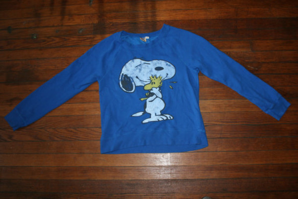 sweater snoopy. grunge 90s style grunge