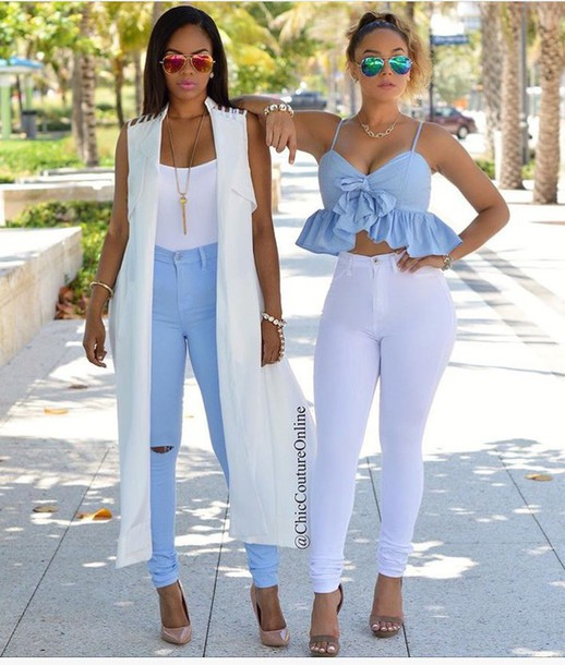 Light Blue High Waisted Jeans Outfit