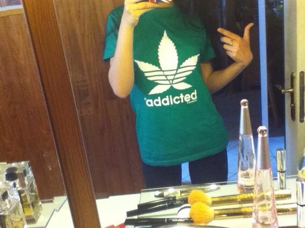 t-shirt green weed