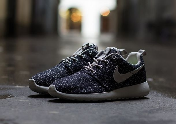 Nike Roshe Run Black And White Speckled