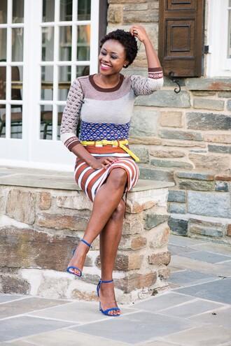 skinny hipster blogger pencil skirt striped skirt pattern blue shoes blue heels