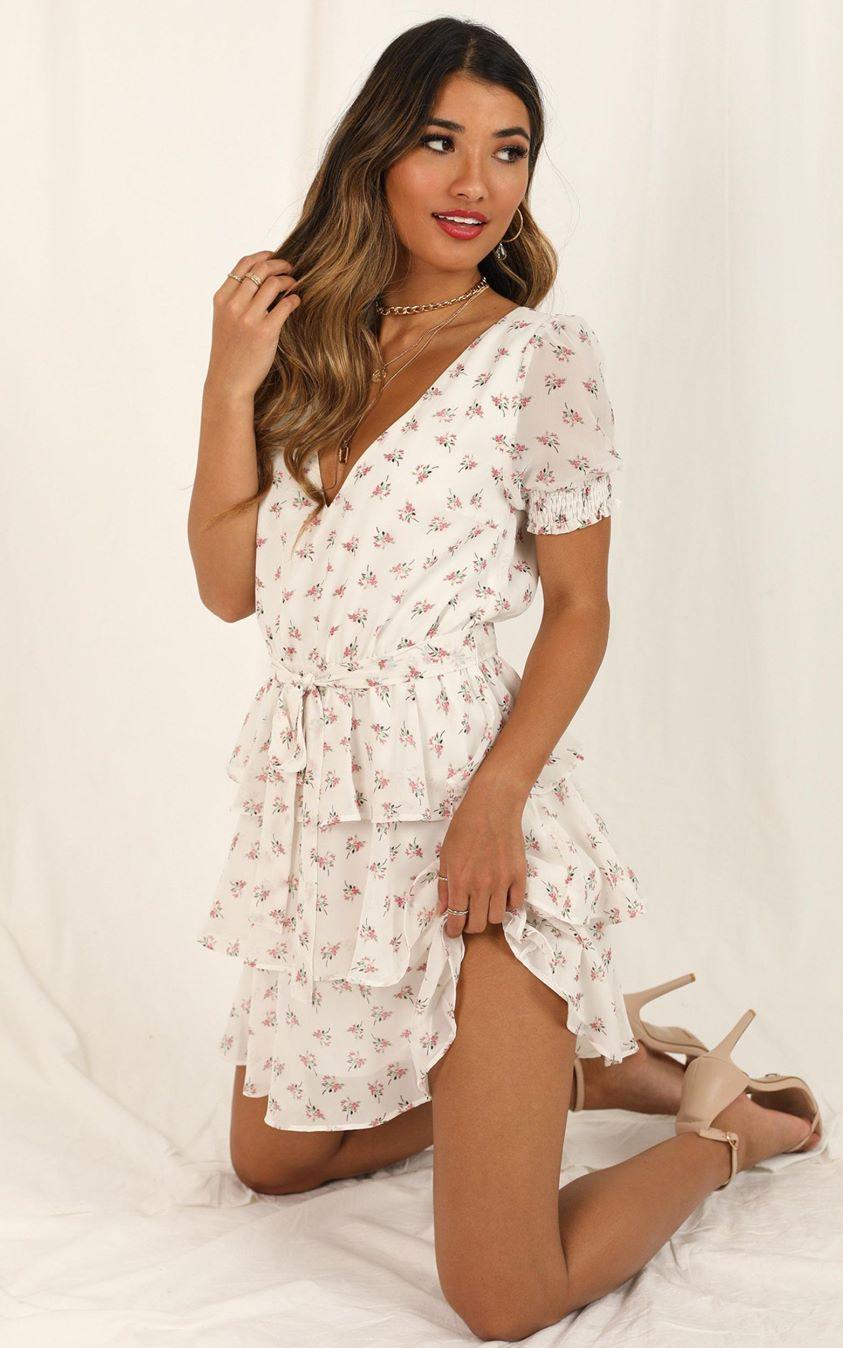 Showpo Keeping It The Same dress in white floral - 4 (XXS) Dresses