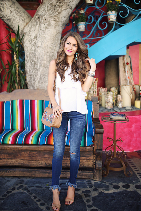 southern curls and pearls blogger top jeans jewels bag hat shoes make-up
