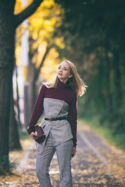 my blonde gal blogger bag pants shoes belt jewels
