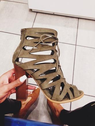 shoes high heels olive green laces black little black dress zara zara shoes platform shoes cute high heels nude high heels white tan heel boots