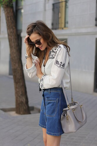 lady addict blogger blouse denim skirt boho shirt grey bag