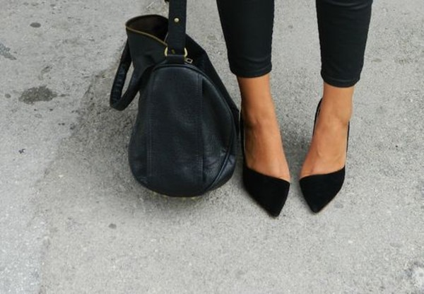 Black Pointed Toe Kitten Heels