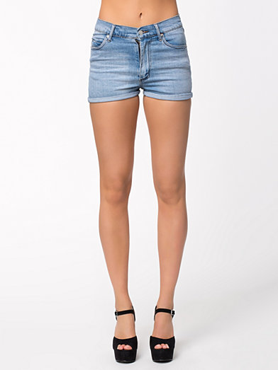 Short Skin Stonewash Blue - Cheap Monday - Light Blue - Trousers & Shorts - Clothing - Women - Nelly.com