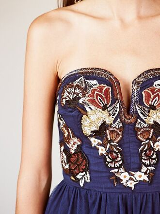 dress embroidered details clothings boho chic