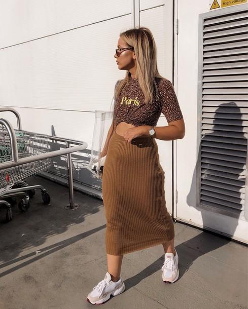 skirt midi skirt knitted skirt pencil skirt sneakers printed t-shirt sunglasses