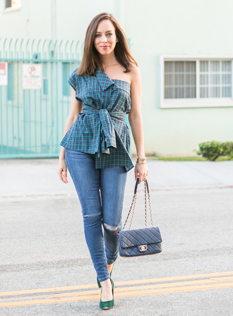 sydne summer's fashion reviews & style tips blogger shirt jeans bag jewels shoes fall outfits chanel bag pumps