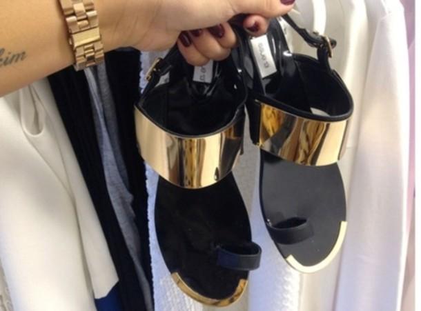 shoes black sandals gold tip flat sandals gold metal gold metallic plate  black and gold sandals - Shoes: Black, Sandals, Gold Tip, Flat Sandals, Gold Metal, Gold