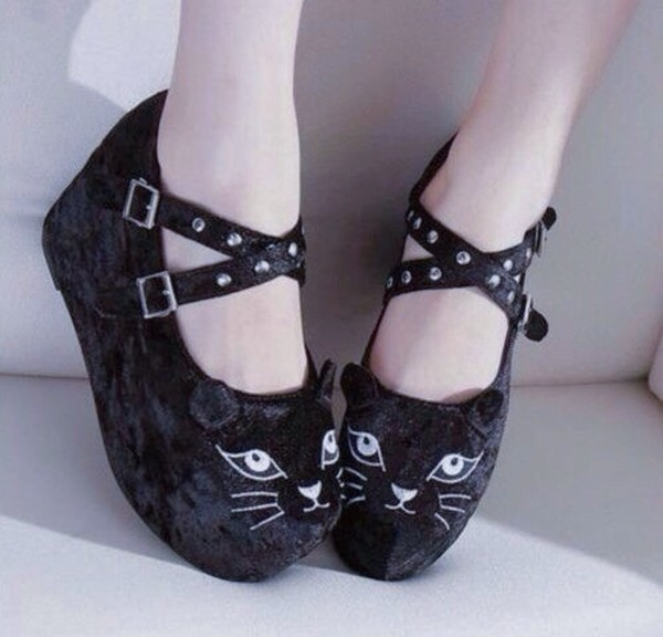 shoes cats cats cats kittycat kitty cat meow feline kawaii lovely petite sweet lolita lolita lolita japanese japan black black cat black cats b&w white white cat it's so adorable heels strappy black heels cute pastel goth soft grunge black cat creepers creepers