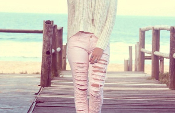 ecru beige jeans clothes denim pink skinny jeans used look jeans pink pastel pink pullover beige sweater