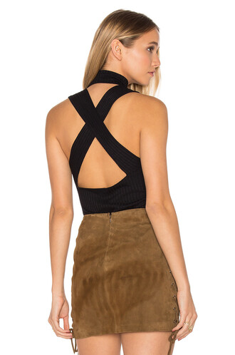 top cross back black