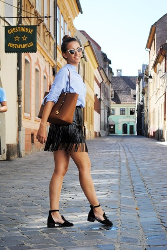 let's talk about fashion ! blogger fringe skirt michael kors bag cut out shoes office outfits fringes