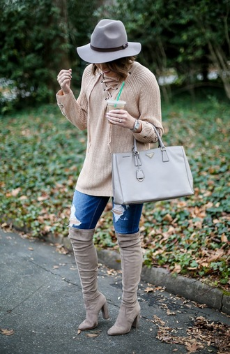 life & messy hair blogger shoes sweater jeans jewels hat bag