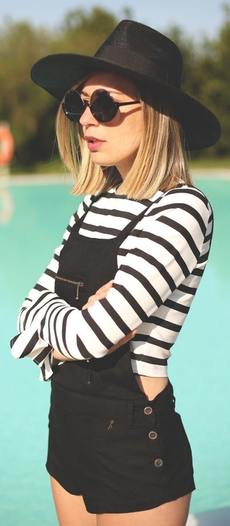 jeans whole outfit cute black stripes trendy white jumpsuit zip buttons overalls