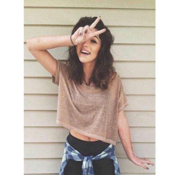 black jeans brown crop tops shirt t-shirt