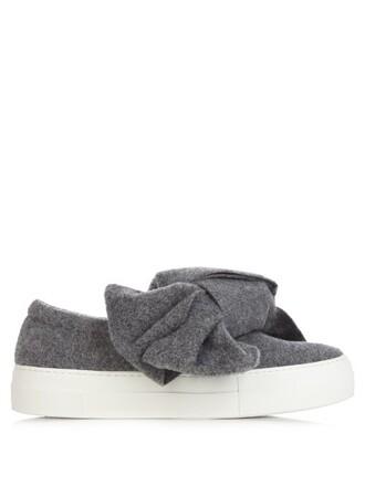 bow dark grey shoes