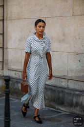 dress,midi dress,polka dots,flats,bag,casual