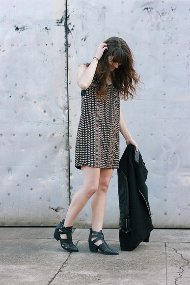 blogger ankle boots the mop top dress