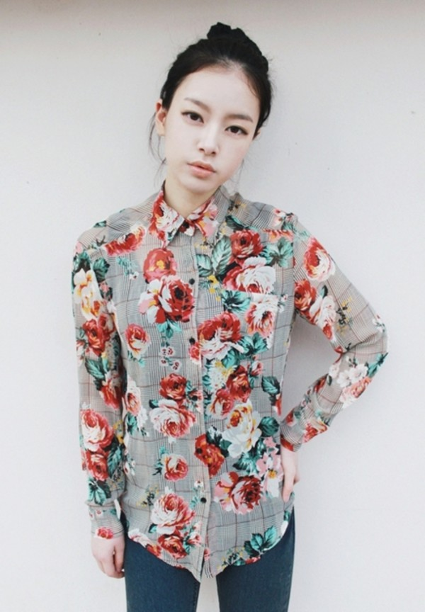 blouse button up collar pockets long sleeves floral