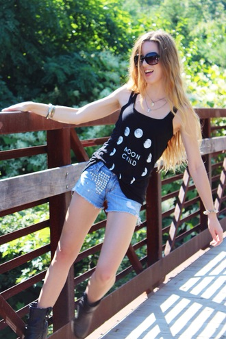 wolf + lace blogger tank top shorts shoes moon phases