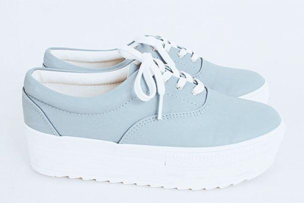 shoes pale shoes platform sneakers platform shoes