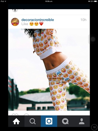 leggings emoji print